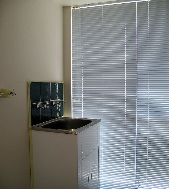 Aluminium Slimline Venetians Outlook Blinds